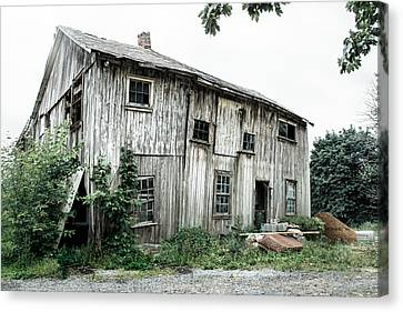 Big Old Barn - Rustic - Agricultural Buildings Canvas Print by Gary Heller