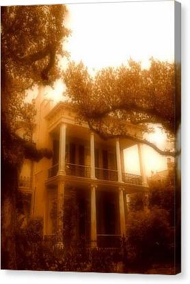 Birthplace Of A Vampire In New Orleans, Louisiana Canvas Print by Michael Hoard