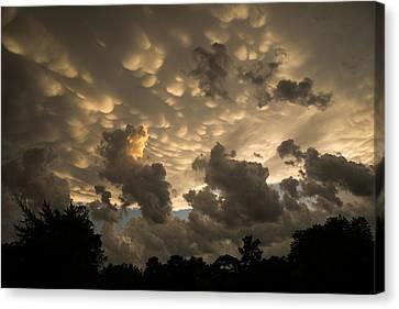 Turbulent Skies Canvas Print - Bizarre Mammatus Clouds In Toronto At Sunset by Georgia Mizuleva