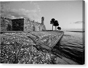 Black And White Castillo De San Marcos View 3 Canvas Print