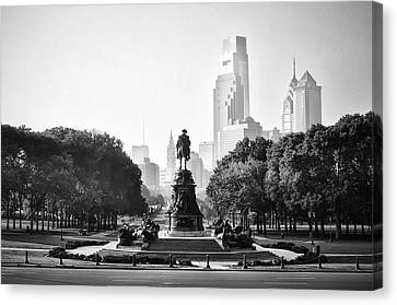 Black And White Philadelphia - Benjamin Franklin Parkway Canvas Print by Bill Cannon