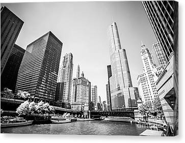 Black And White Picture Of Downtown Chicago Canvas Print by Paul Velgos