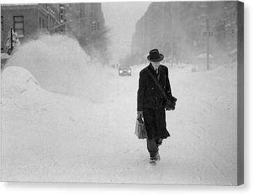 Canvas Print featuring the photograph Blizzard On Park Avenue by Dave Beckerman