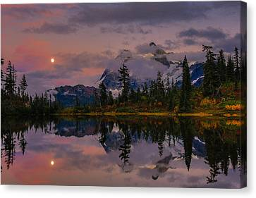 Bloodmoon Rise Over Picture Lake Canvas Print