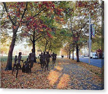 Bloomsday Autumn Finish - Spokane Washington Canvas Print by Daniel Hagerman