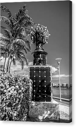 Statue Portrait Canvas Print - Blue Crown Statue Miami Downtown - Black And White by Ian Monk