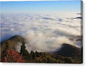 Blue Ridge Parkway Sea Of Clouds Near Graveyard Fields Canvas Print