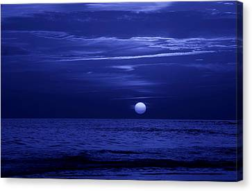 Blue Sunset Canvas Print by Sandy Keeton