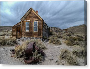 Bodie Fixer Canvas Print by Mike Ronnebeck