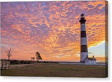 Bodie Island Lighthouse At Sunrise Canvas Print