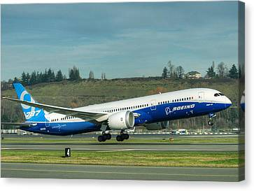 Boeing 787-9 Gets Airborne Canvas Print by Jeff Cook