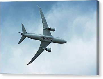 Boeing 787 Dreamliner Canvas Print