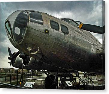 Boeing Flying Fortress B-17g  -  03 Canvas Print by Gregory Dyer