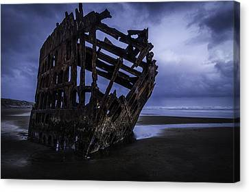 Bones Of The Peter Iredale Canvas Print