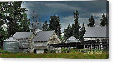 Canvas Print featuring the photograph Bonners Ferry Farm by Sam Rosen