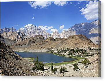 Borith Lake And Mountains In Pakistan Canvas Print by Robert Preston