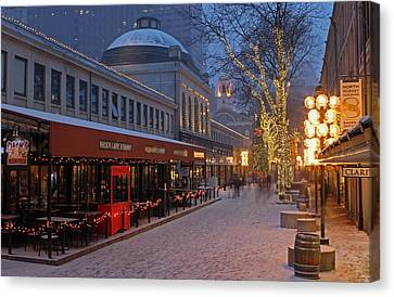 Boston Quincy Market And Faneuil Hall Canvas Print by Juergen Roth