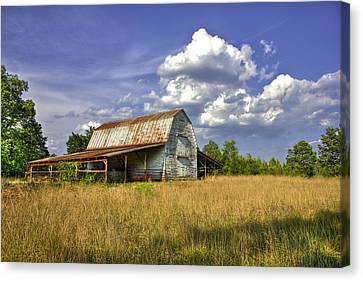 Boswell White Barn And The Afternoon Sun Canvas Print