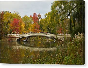 Canvas Print featuring the photograph Bow Bridge Central Park Ny by Jose Oquendo