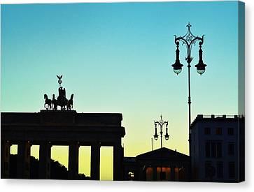 Brandenburg Gate Canvas Print by Gynt