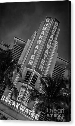 Breakwater Hotel Art Deco District Sobe Miami - Black And White Canvas Print