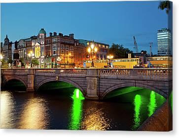 Dublin Building Colors Canvas Print - Bridge Across A River, Oconnell Bridge by Panoramic Images
