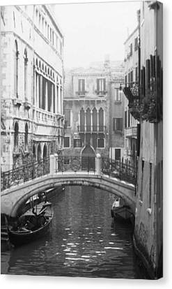 Bridge In Venice Canvas Print by Dorothy Berry-Lound