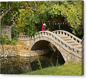 Canvas Print featuring the photograph Bridge Walker China by Sally Ross