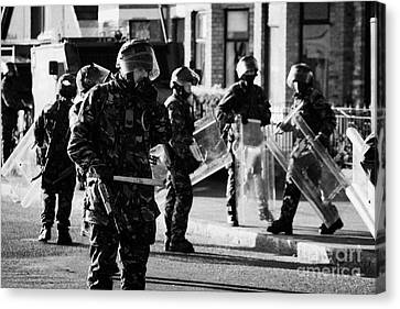 British Army Soldiers In Riot Gear On Crumlin Road At Ardoyne Shops Belfast 12th July Canvas Print
