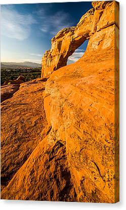 Canvas Print featuring the photograph Broken Arch by Jay Stockhaus