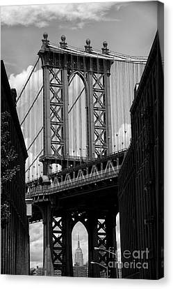 Manhattan Bridge Nyc Canvas Print by Peter Dang