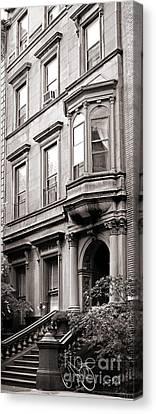 Brooklyn Heights -  N Y C - Classic Building And Bike Canvas Print