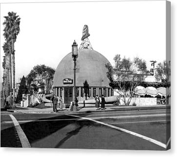 Brown Derby Restaurant Canvas Print by Underwood Archives