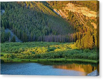 Brownes Lake At Sunrise In The Pioneer Canvas Print by Chuck Haney
