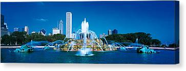 Buckingham Fountain Chicago Il Usa Canvas Print by Panoramic Images
