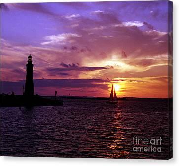 Canvas Print featuring the photograph Buffalo Main Lighthouse by Tom Brickhouse