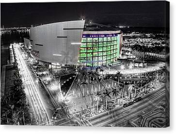 Bw Of American Airline Arena Canvas Print by Joe Myeress