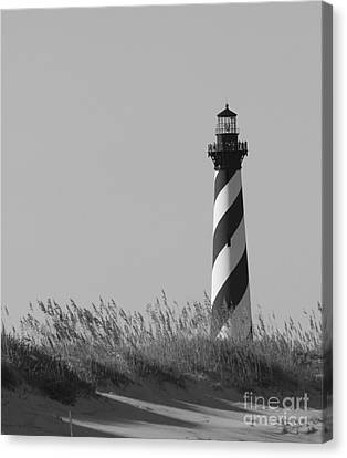 Bw Of Hatteras Lighthouse Canvas Print by Laurinda Bowling