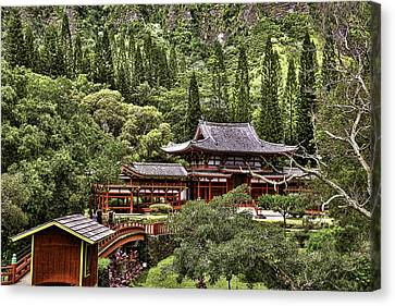 Byodo-in Canvas Print by Joanna Madloch