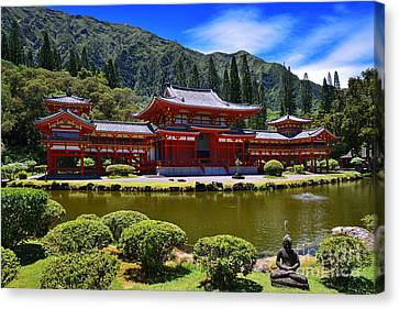 Byodo-in Temple On The Island Of Oahu Hawaii Canvas Print by Aloha Art