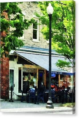 Cafe Albany Ny Canvas Print by Susan Savad