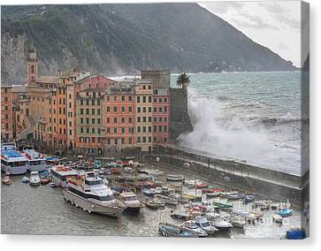Canvas Print featuring the photograph Camogli Under A Storm by Antonio Scarpi