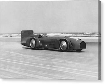 Campbell's Bluebird At Daytona Canvas Print by Underwood Archives