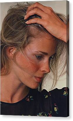 Candice Bergen With Her Hand On Her Head Canvas Print