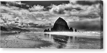 Cannon Beach On The Oregon Coast Canvas Print by David Patterson