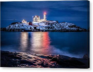 Cape Neddick Lighthouse Canvas Print by Robert Clifford