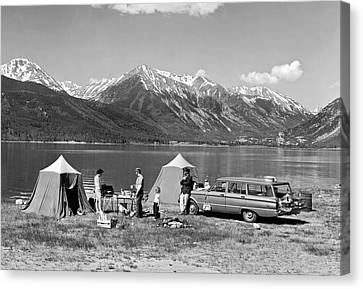 Car Camping In The Rockies Canvas Print