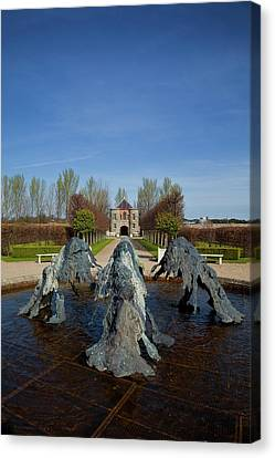 Cast Bronze Fountain By Lynda Benglis Canvas Print by Panoramic Images