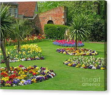 Castle Park Gardens  Canvas Print by Ann Horn