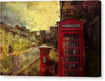 Castle Steet Conwy Canvas Print by Mal Bray